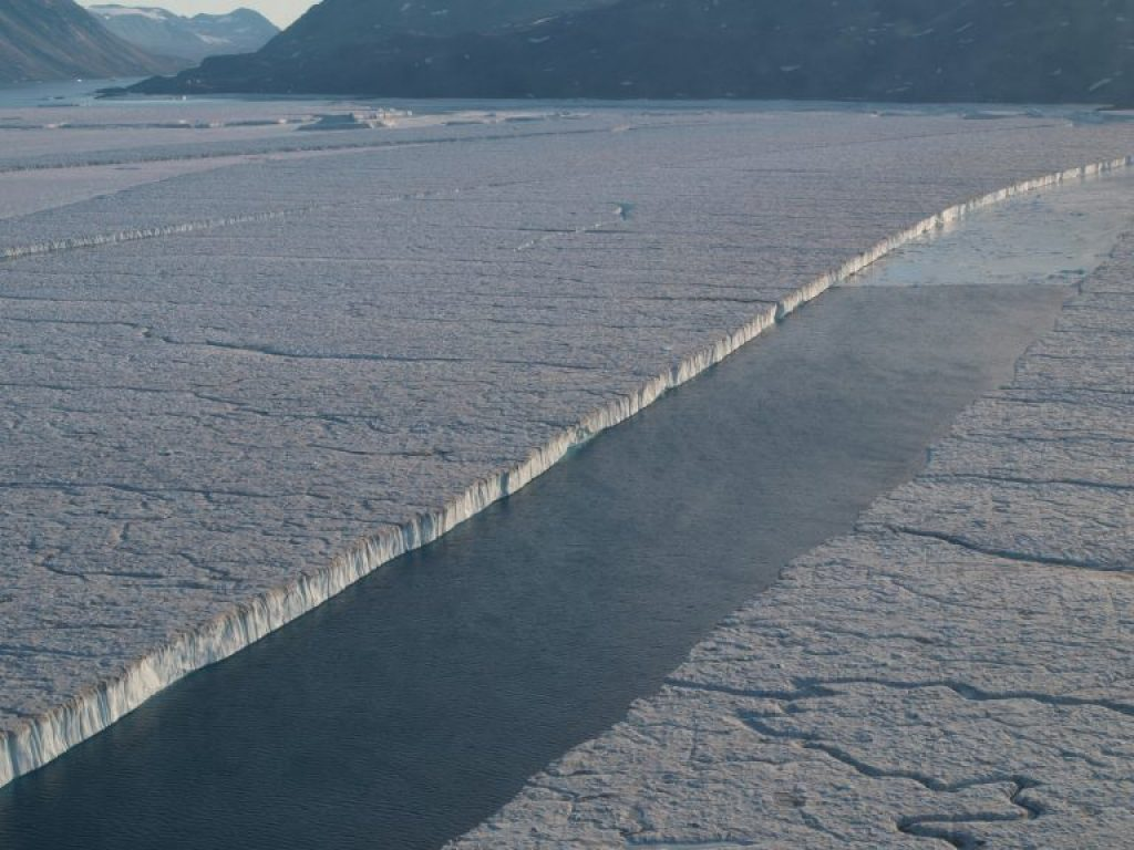 Separation of Manhattan Is. sized ice shelf pieces from 79 Glacier far northeastern Greenland 1